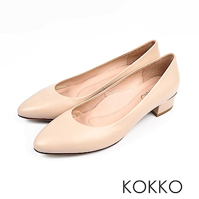 KOKKO -女力時代素面真皮舒壓中跟鞋-奶球白