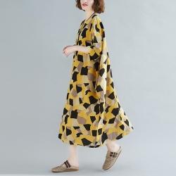 鮮黃彩塊印花圓領五分袖寬鬆洋裝F-Keer