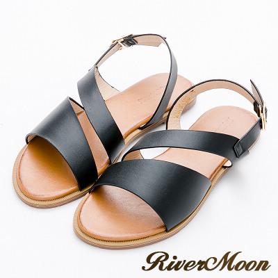 River&Moon大尺碼-俐落質感純色寬帶皮感涼鞋-黑