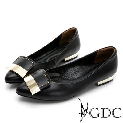 GDC-真皮尖頭舒飾簡約拼接金屬低跟鞋-黑色
