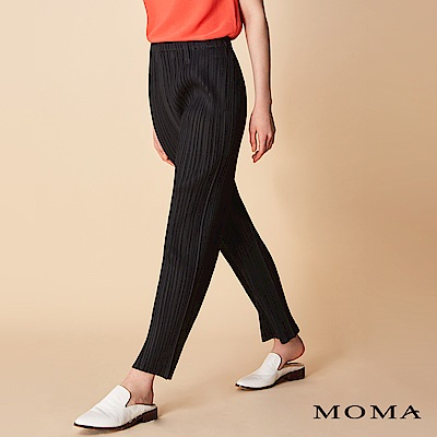 MOMA 柔軟壓褶長褲