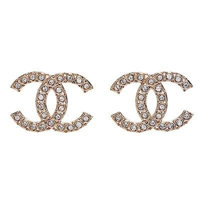 CHANEL 經典雙C LOGO水鑽鑲飾鏤空造型穿式耳環(金)