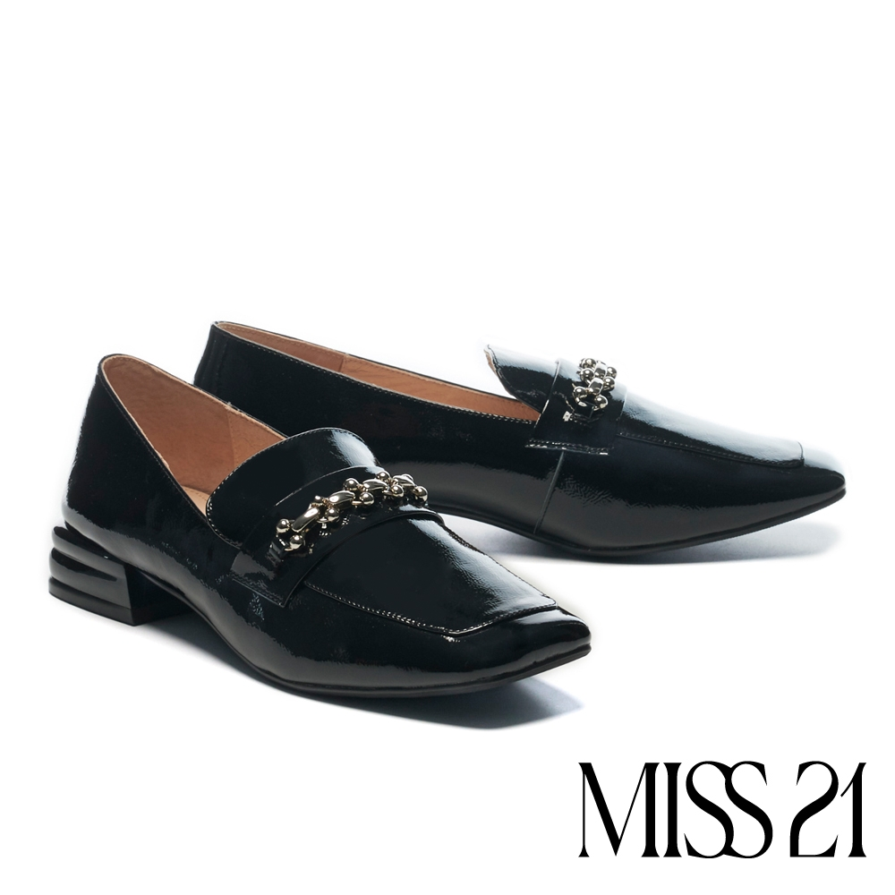 低跟鞋 MISS 21 氣質小姐姐漆皮金屬鏈條方頭樂福低跟鞋-黑