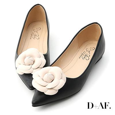 D+AF 古典美感.立體山茶花尖頭娃娃鞋*黑