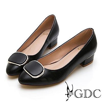 GDC-真皮尖頭氣質小姊姊上班素色方扣低跟包鞋-黑色