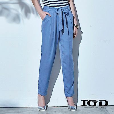 IGD英格麗都會百搭天絲棉綁帶打褶長褲-藍色