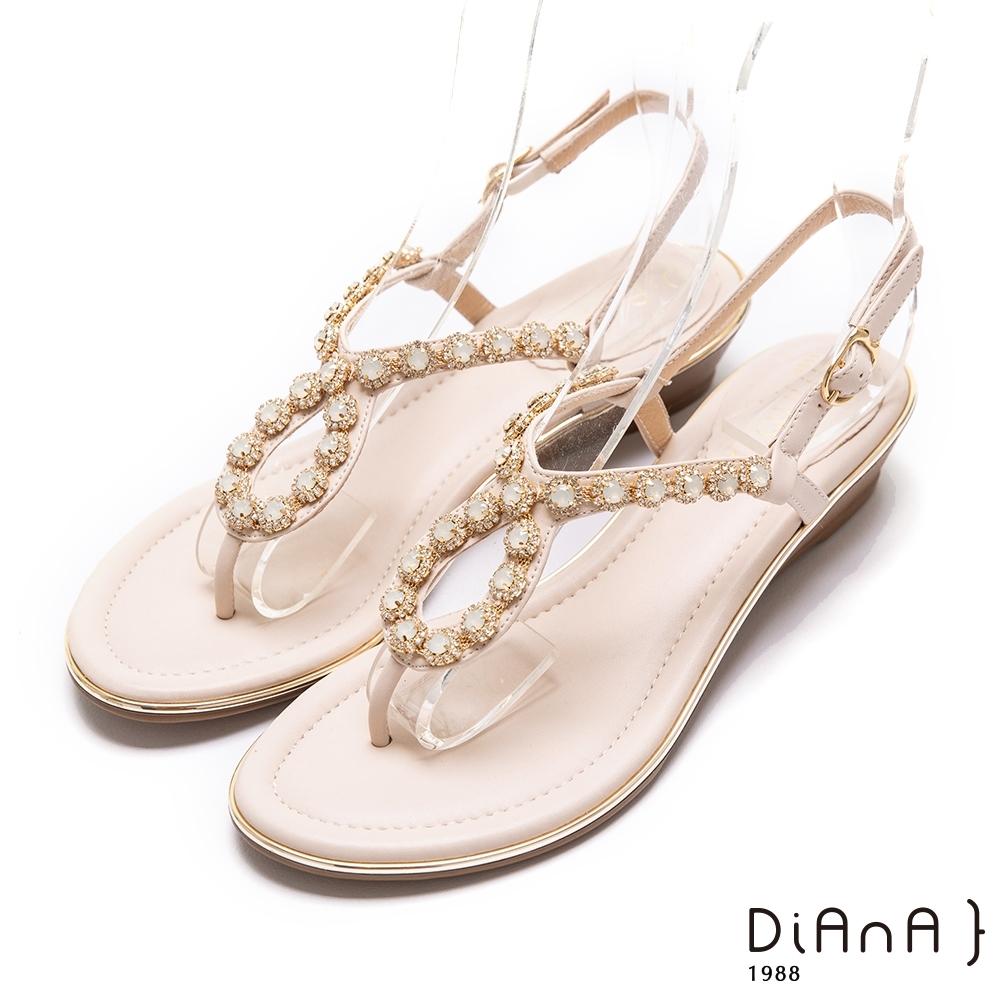 DIANA奢華耀眼水鑽3.5公分經典繫帶圓頭楔型低跟涼鞋-閃耀動人–米