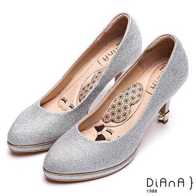DIANA極緻閃耀鑽石紋尖頭高跟鞋(婚鞋推薦)-漫步雲端瞇眼美人-白銀
