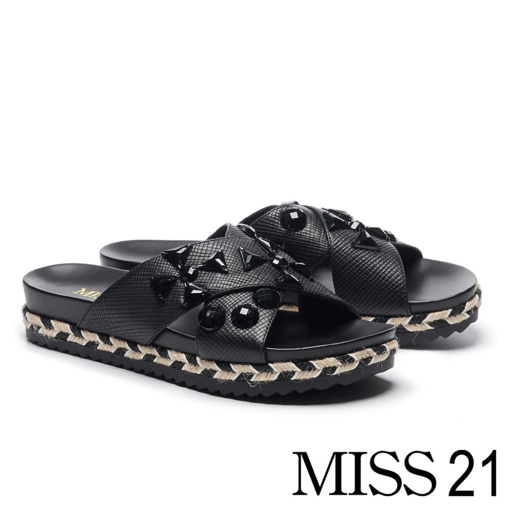 拖鞋 MISS 21 時髦帥感幾何黑鑽交叉壓紋牛皮厚底拖鞋-黑