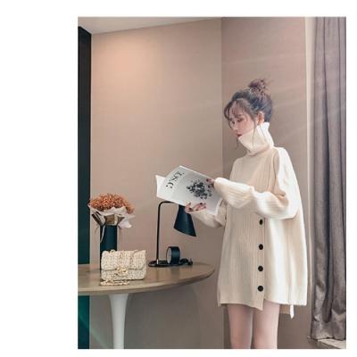 2F韓衣-高領不規則排釦造型針織衫-F