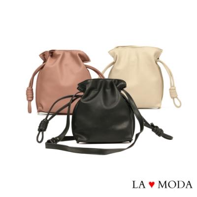La Moda 輕巧可愛結繩造型軟皮質斜背小包