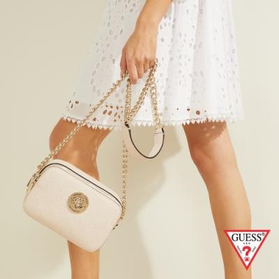 GUESS-女包-氣質金屬裝飾LOGO壓印鍊條小方包-粉 原價2890