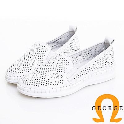 GEORGE 喬治皮鞋 柔軟真皮鏤空雨傘壓紋休閒鞋(女) -白