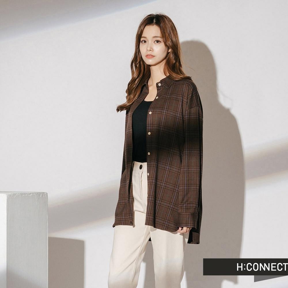 H:CONNECT 韓國品牌 女裝-後領設計格紋襯衫-棕