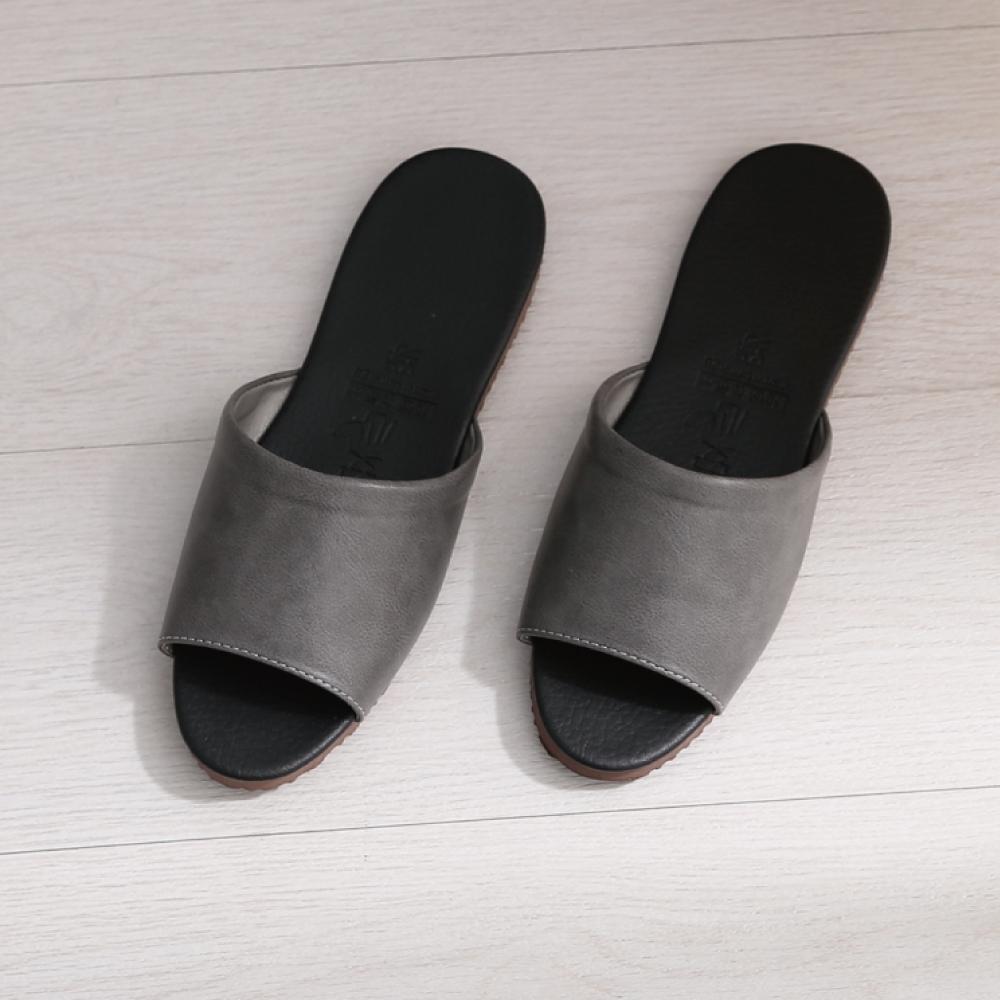 333家居鞋館 經典室內皮拖鞋 product image 1