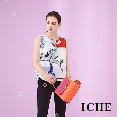 ICHE 衣哲 時尚滿版印花V領無袖100%高磅棉造型上衣-白