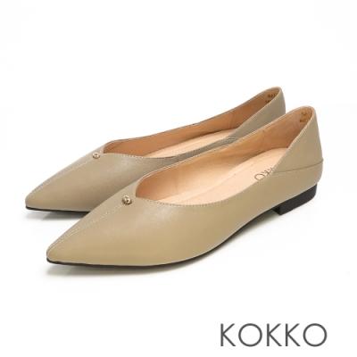 KOKKO - 經典彎折V口尖頭真皮平底鞋 - 霧灰