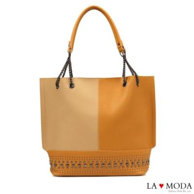 La Moda 質感拼接大容量鉚釘裝飾肩背托特包(棕/杏)