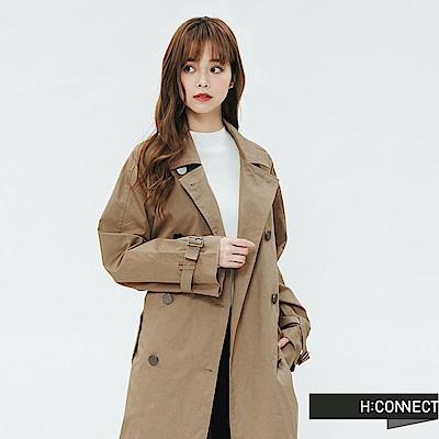 H:CONNECT 韓國品牌 女裝-雙排釦腰帶風衣外套-卡其