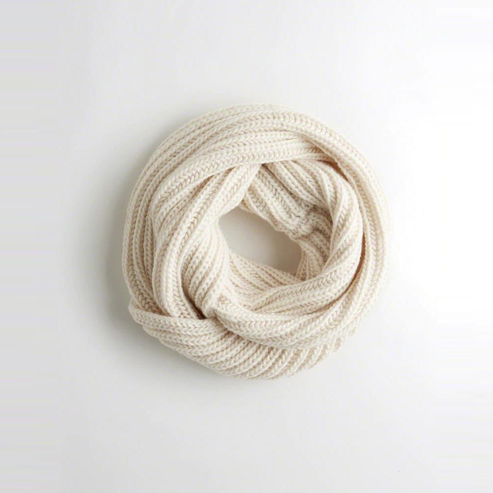 海鷗 Hollister 針織舒適保暖圍巾-米白色