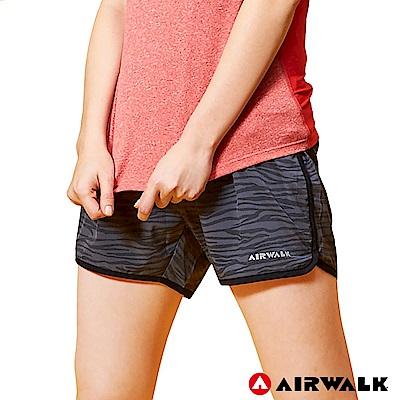 【AIRWALK】女款印花運動短褲-黑色