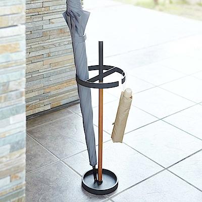 日本 YAMAZAKI-都會雅痞木紋多功能雨傘架(黑)★雨傘架/雨傘筒