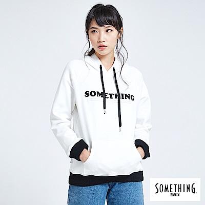 SOMETHING 青春高校 撞色繡花連帽T恤-女-白色