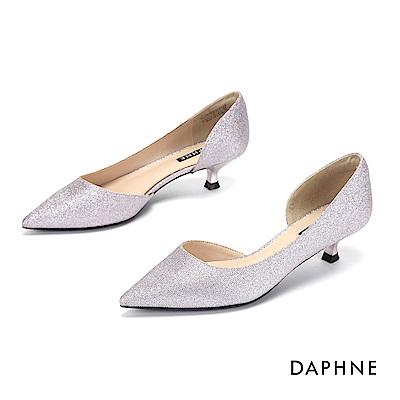 達芙妮DAPHNE 尖頭鞋-微美鏤空夜宴尖頭低跟鞋-銀