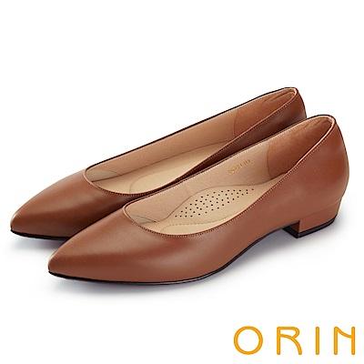 ORIN 率直簡約 素面柔軟羊皮尖頭粗低跟鞋-棕色