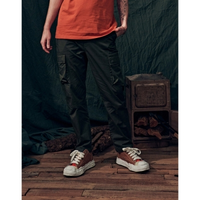 NAVY-鬆緊腰大口袋工褲(三色)-情侶款-男【B1NA049】