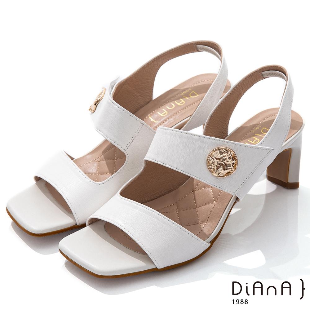 DIANA 6.7cm質感羊皮方頭寬板金屬釦魔鬼氈露趾高跟涼鞋-白