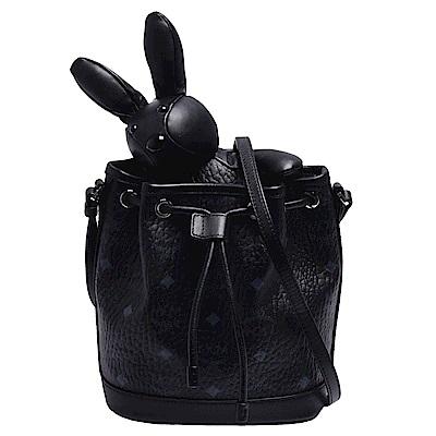 MCM 經典品牌LOGO塗層帆布印花牛皮飾邊寵物兔束口肩/斜背包(黑)