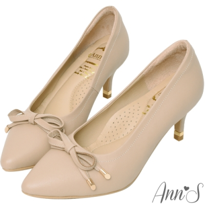 Ann'S自帶氣質光環-小羊皮質感壓紋蝴蝶結尖頭跟鞋-藕粉