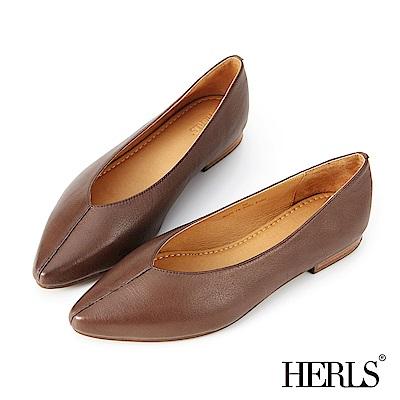 HERLS 全真皮線條抓摺尖頭平底鞋-棕色