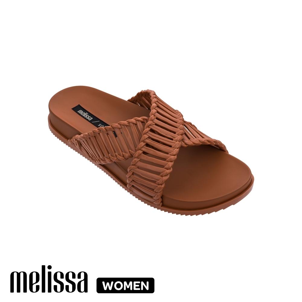 MelissaSalinas聯名編織交叉拖鞋 棕