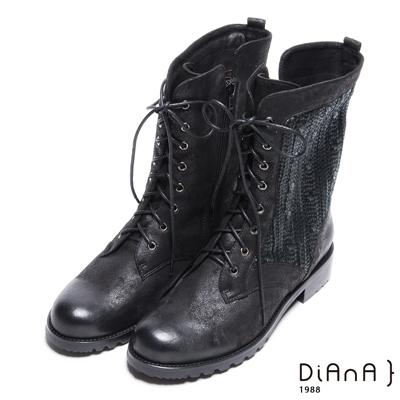 DIANA個性俐落–腊感毛線率性擦色雙綁帶短靴-黑