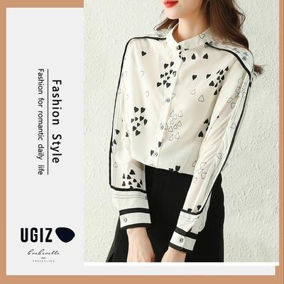 UGIZ-修身浪漫溫柔百搭立領絲質愛心印花造型上衣-白色(M-XL)