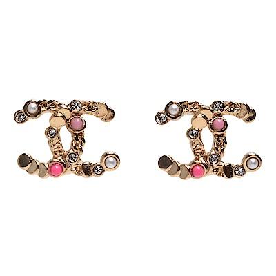 CHANEL 經典粉色珠珠水鑽鑲嵌雙C LOGO造型穿式耳環(粉X金)