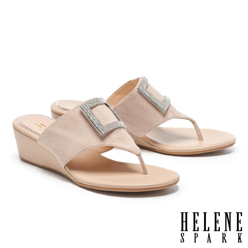 拖鞋 HELENE SPARK 輕奢時髦閃鑽方釦楔型高跟夾腳拖鞋-米