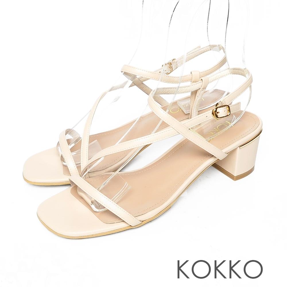 KOKKO方頭不對稱細帶粗跟小羊皮涼鞋椰奶白