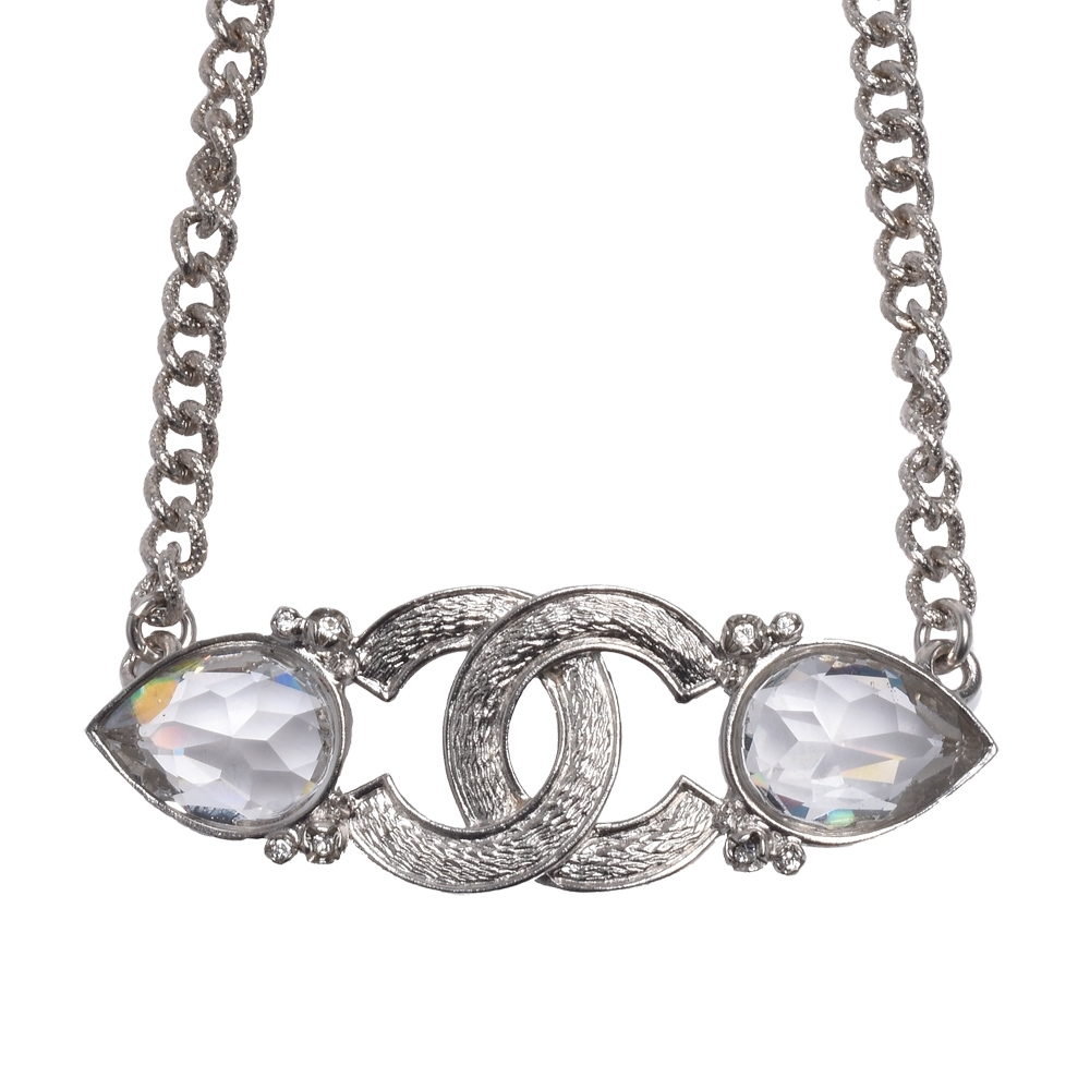 CHANEL 香奈兒經典雙C LOGO寶石鑲嵌設計項鍊(銀)
