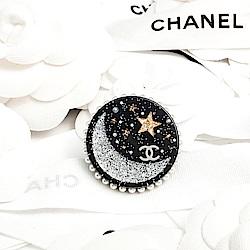 CHANEL 珍珠圓邊星空金蔥月亮星星壓克力別針