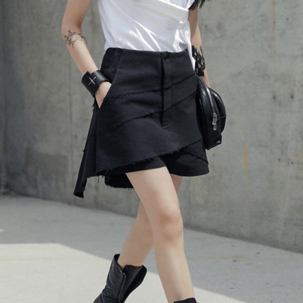 設計所在Style-新款暗黑風設計師高腰割邊短褲