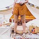 AIR SPACE PLUS 燒花蕾絲造型短褲(黃)