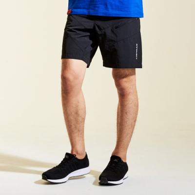 【AIRWALK】剪接風衣五分褲-黑色
