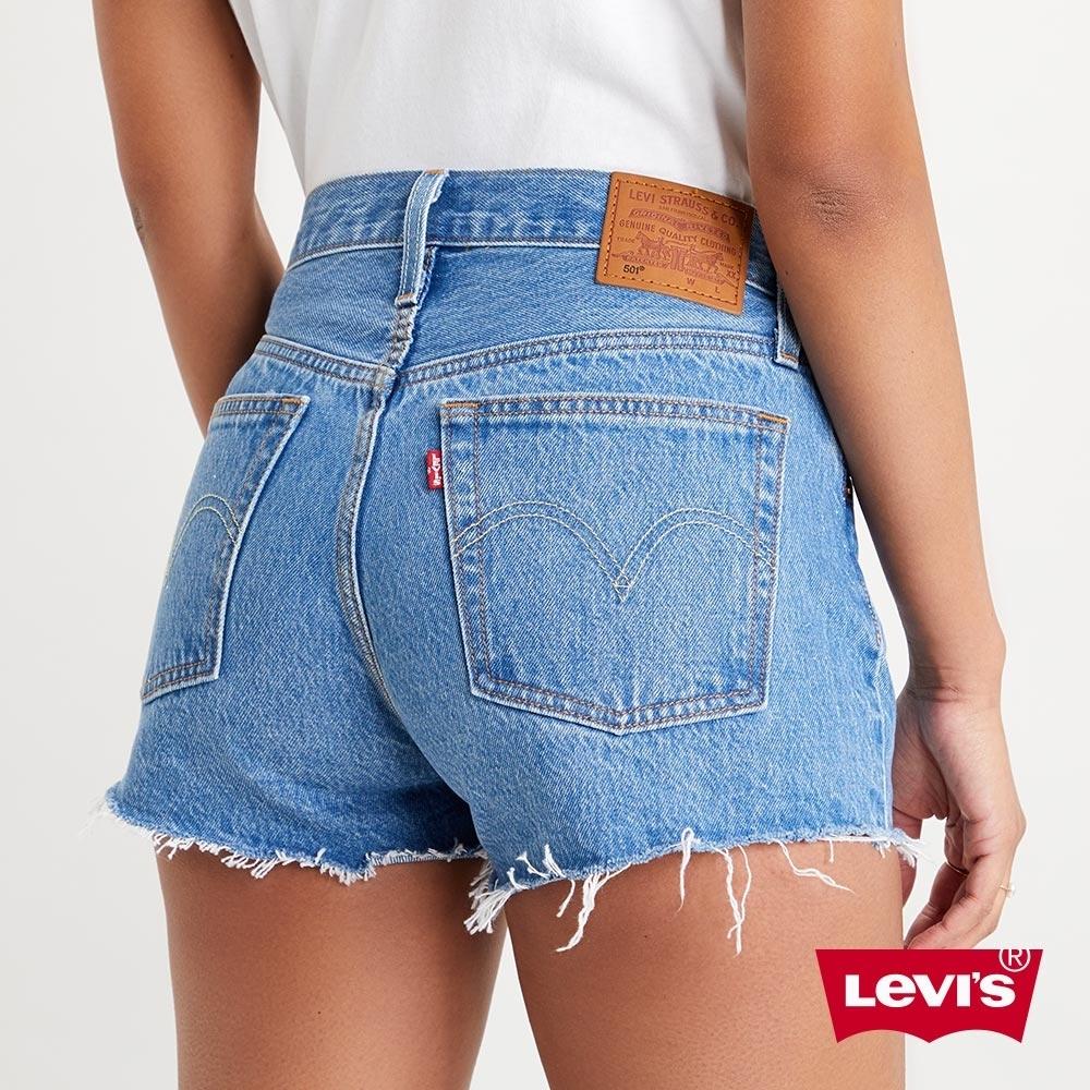 Levis 女款 501中腰排釦牛仔短褲 中藍水洗 不收邊