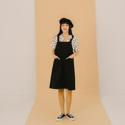 QUEENSHOP 雙口袋前釦造型吊帶洋裝 兩色售 S/M【01085341】*現+預*
