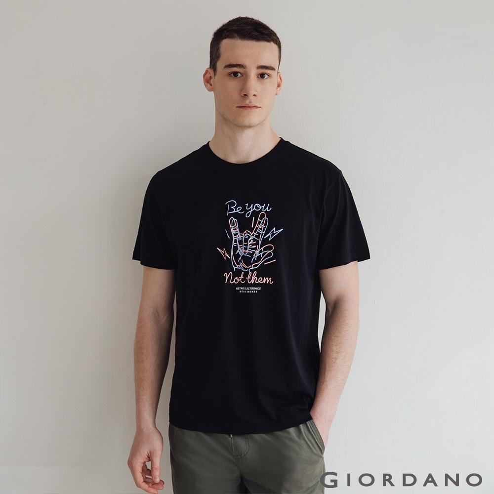 GIORDANO  男裝復古印花短袖T恤 - 51 標誌黑