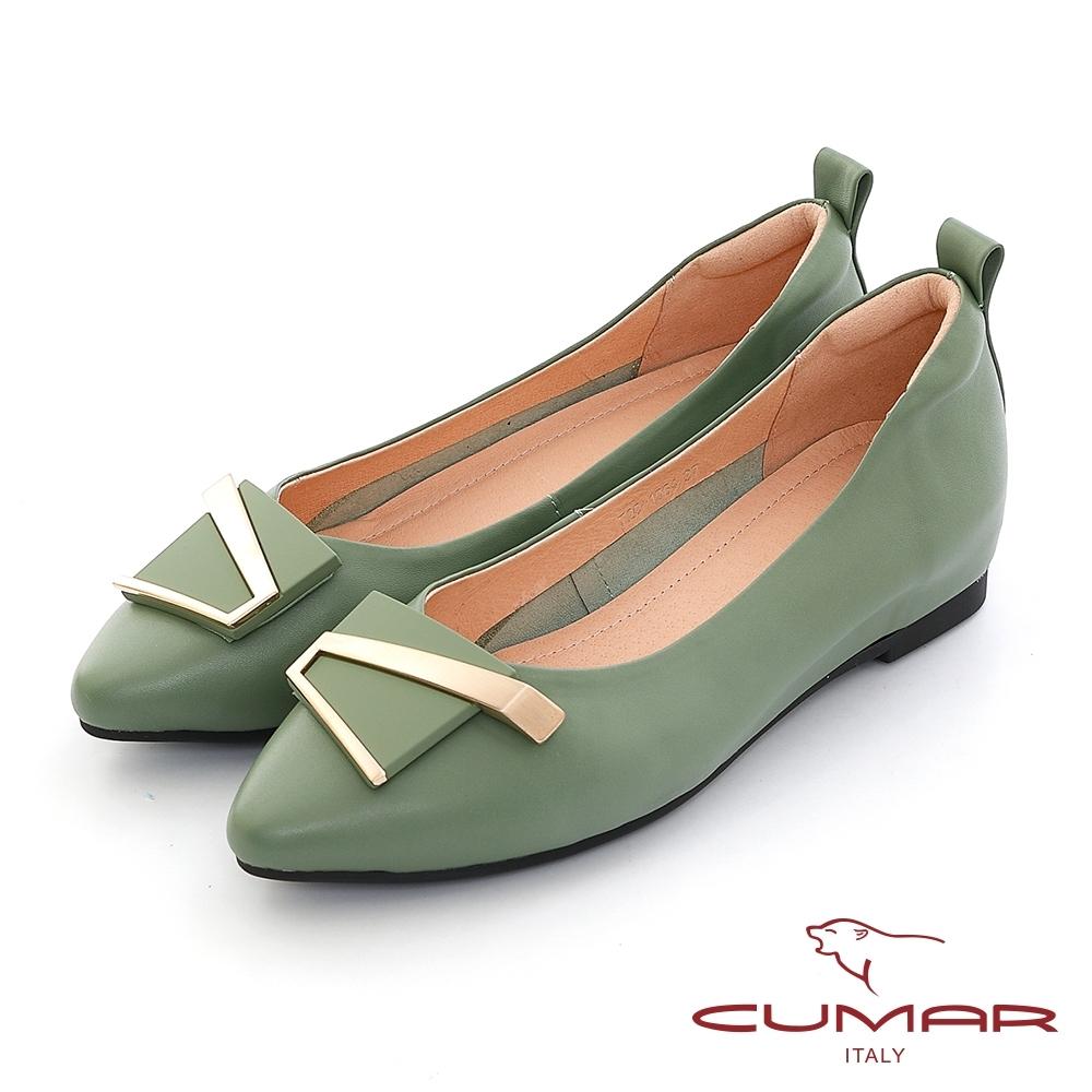 【CUMAR】金屬不對襯飾釦尖頭內增高平底鞋-綠色