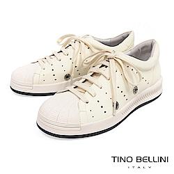 Tino Bellini 真皮拼接潮流圓沖孔厚底綁帶休閒鞋 _ 米白